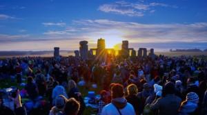 summer-solstice-sunrise-at-the-stonehenge 2015