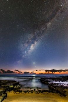 Venus Rising Ivan Slade (Australia) - 2016 astronomy photo of the year shortlist