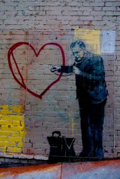 banksy-street-art-in-san-francisco-peaceful-heart