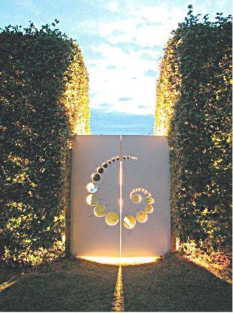 Crop circle garden gate