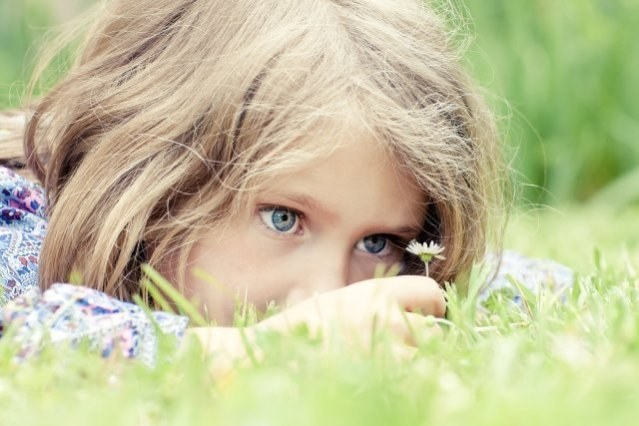 little-girl-child-children-beautiful-cute-happy-little-beautiful-girl-blue-eyes-children-child-childhood-flowers-hope-grass-play-joy-chastlivy-beautiful-little-girl-blue-eyes-children-ch